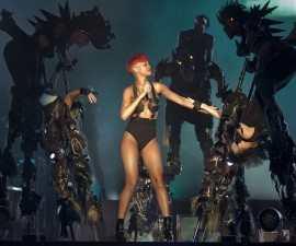 RERihanna-2010-Concert-Shelly-Wall-Shutterstock.com_