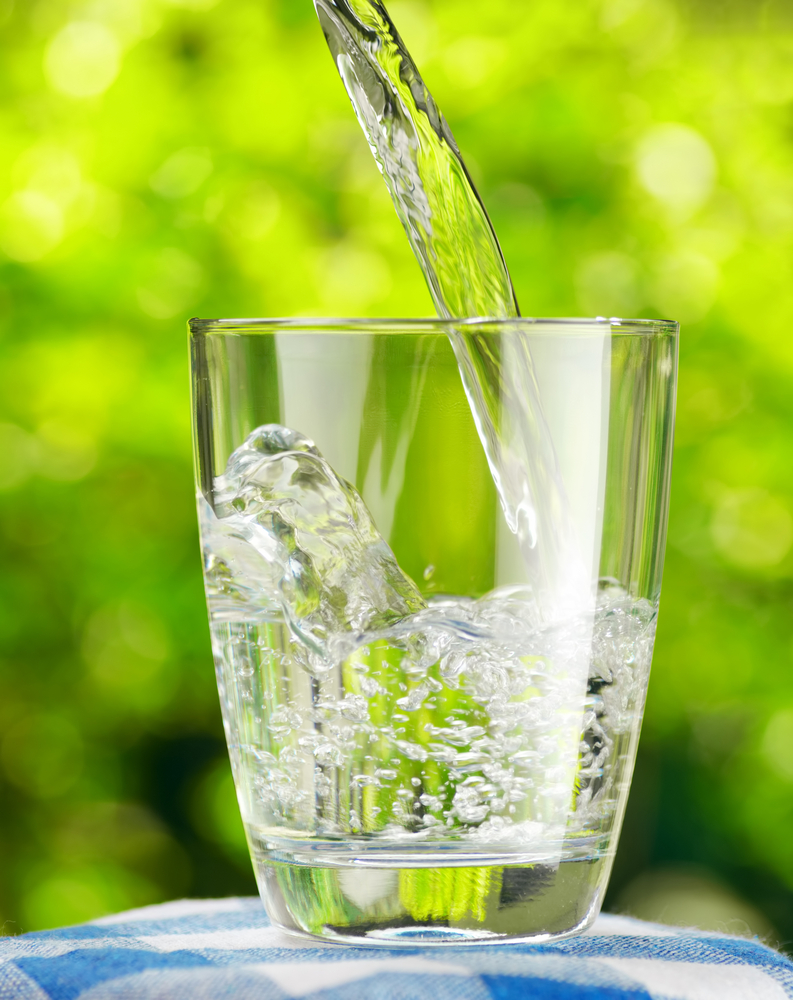 Drinking water can keep you hydrated and stop you feeling sluggish TheFuss.co.uk