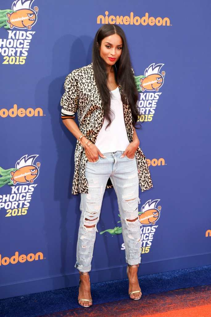 Ciara looks chic in a simple outfit with added punch TheFuss.co.uk