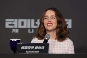 Emilia Clarke wears one of this season's hottest trends TheFuss.co.uk