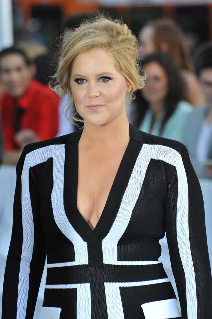 Jennifer Lawrence and Amy Schumer are writing a screenplay together TheFuss.co.uk