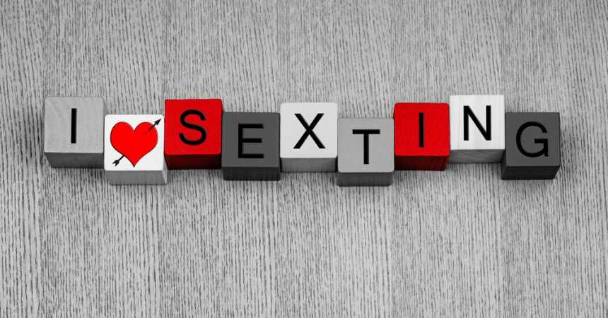 Sexting - Everyone's doing it, are you? TheFuss.co.uk