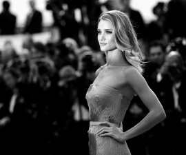 Rosie Huntington-Whiteley supports Breast Cancer Awareness with new lingerie line TheFuss.co.uk