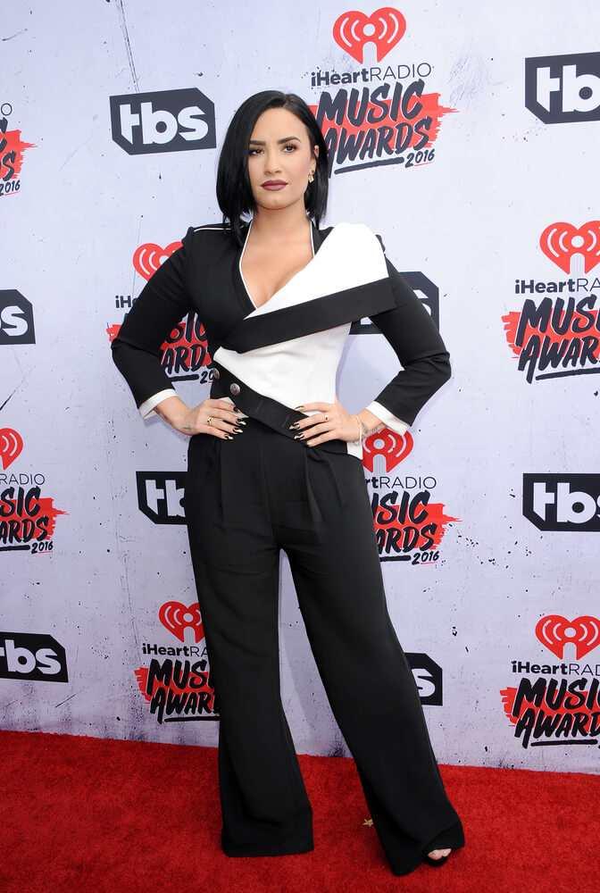 Demi Lovato stuns in her Alexander McQueen jumpsuit TheFuss.co.uk