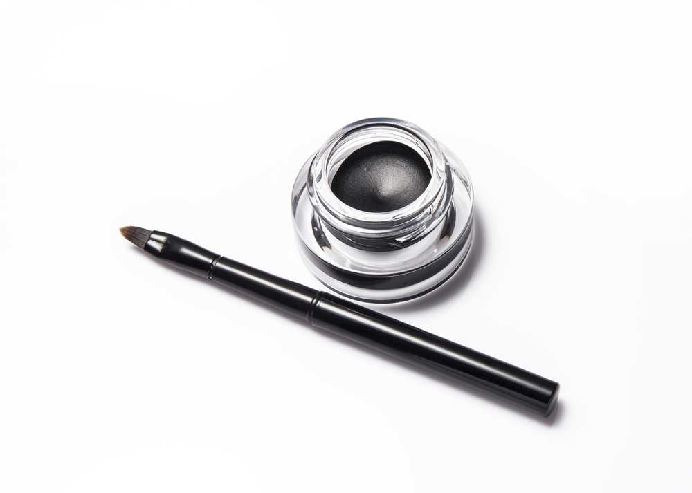 Is a gel eyeliner the best product for you? TheFuss.co.uk