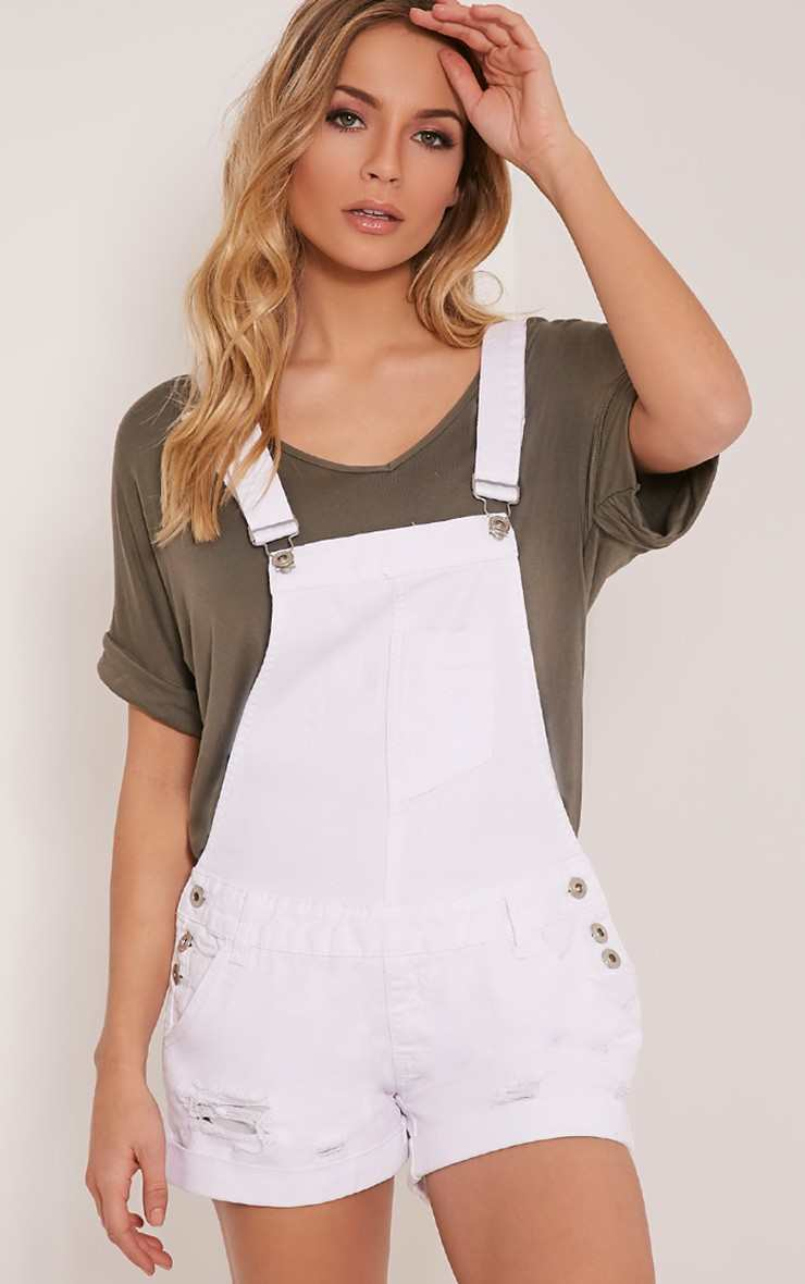Pretty Little Thing HEDI WHITE DENIM SHORT DUNGAREE