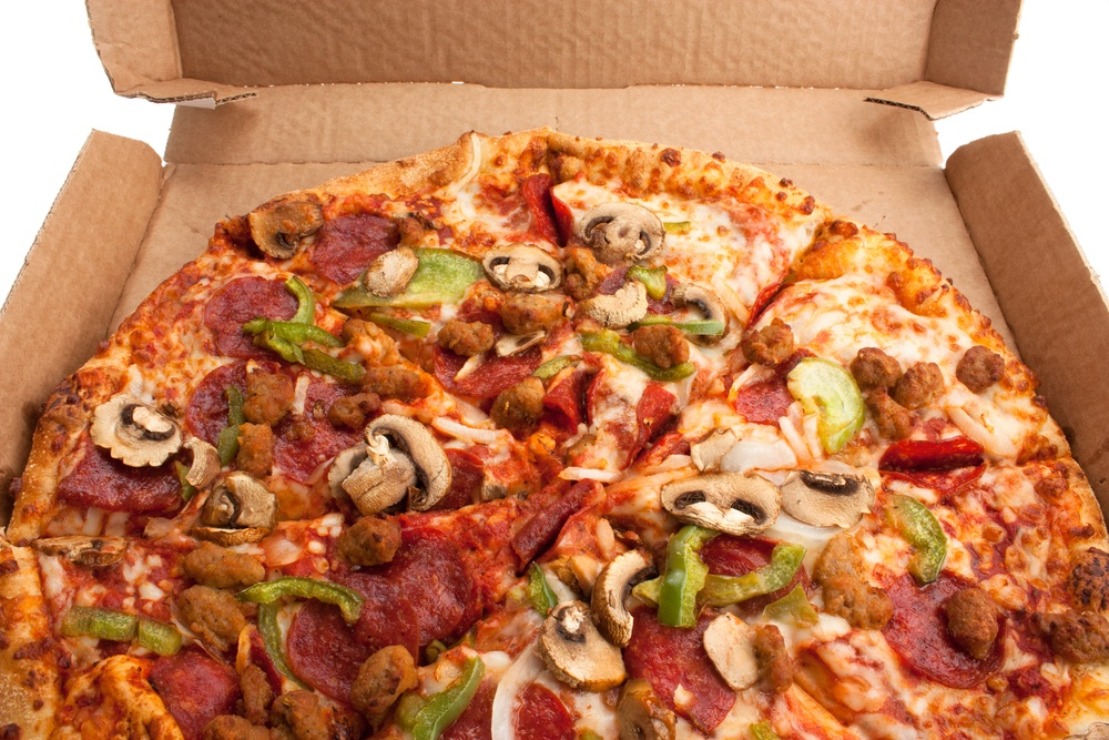 The effect eating takeaway pizza has on your body TheFuss.co.uk