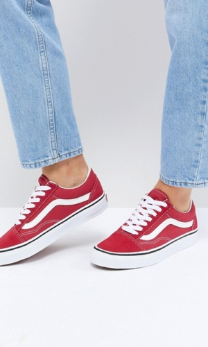 Vans Old Skool Trainers In Red