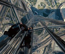 Tom Cruise's craziest movie stunts TheFuss.co.uk
