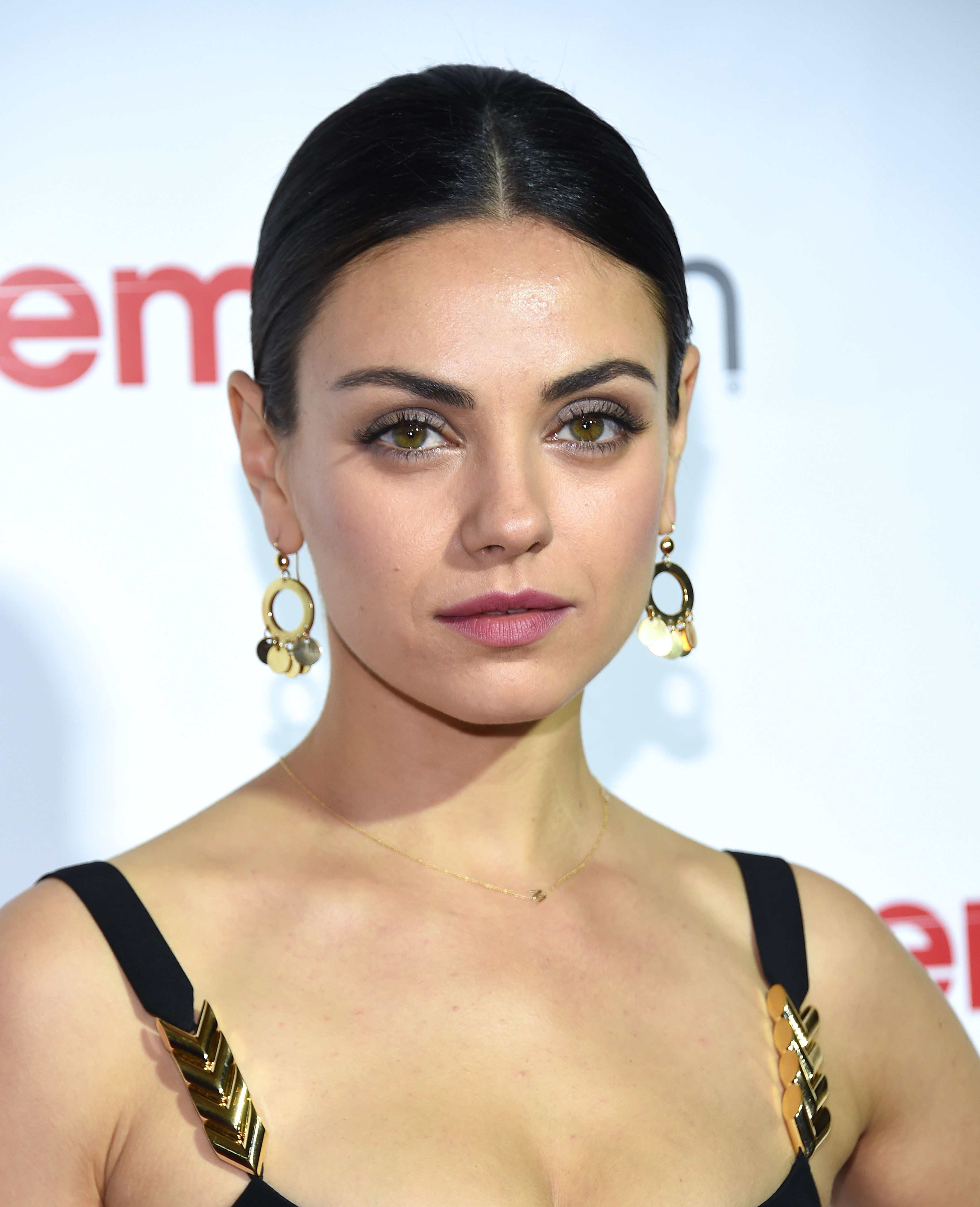 Mila Kunis - Get her eye makeup look now TheFuss.co.uk