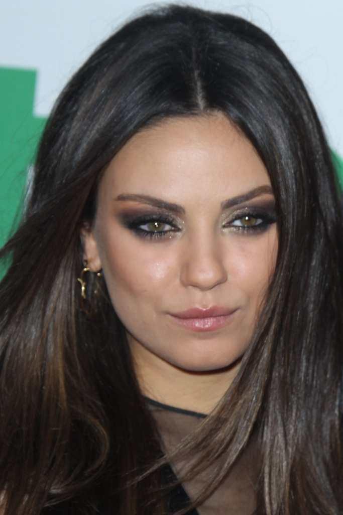 How to get the eye makeup like Mila Kunis TheFuss.co.uk