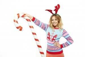 Celebrities commit to doing their bit in a Christmas knit TheFuss.co.uk