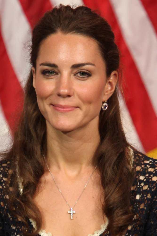 Duchess Of Cambridge Jewelry Helga Esteb Shutterstock Com