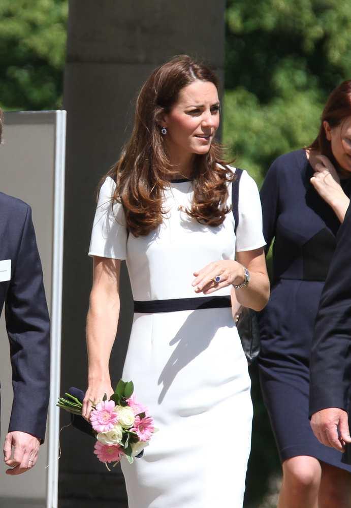 Duchess Of Cambridge Jewelry Twocoms Shutterstock Com 2
