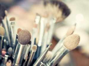 Bare Minerals make up brushes