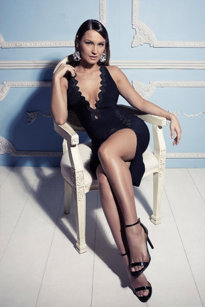 Rare Sam Faiers Wears Black Wavy Trim Plunge Midi Dress