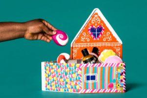 Gigerbread House Hero Gift Christmas 2019 01